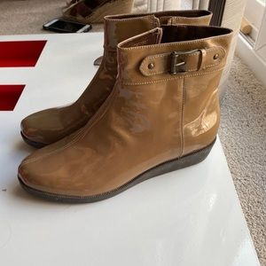 New Cole Haan waterproof boots size 8